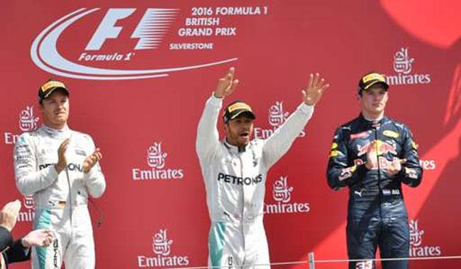 Podium Angleterre 2016 Lewis Hamilton (Mercedes AMG)